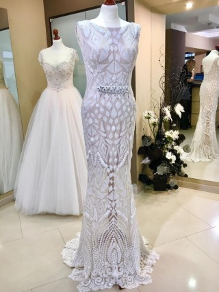 Kimberly and other wedding dresses in salons ONA
