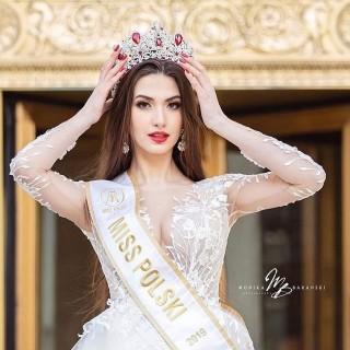 Miss Polski w sukni z najnowszej kolekcji Ms Moda