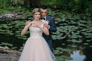 Pani Angelika w sukni ślubnej z kolekcji Maxima Bridal