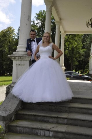 Mrs. Dominika and her husband Adrian in a wonderful wedding session