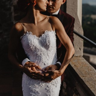 Pani Sandra wraz z mężem w sesji ślubnej