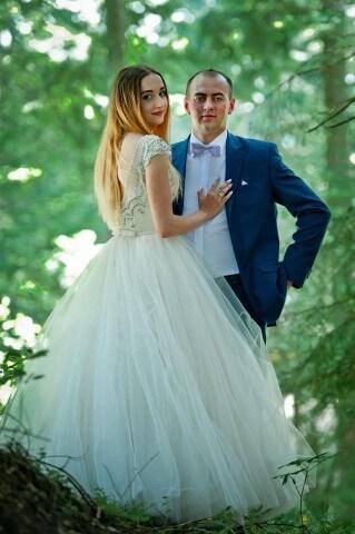 Piękna Pani młoda Mariola wraz z mężem