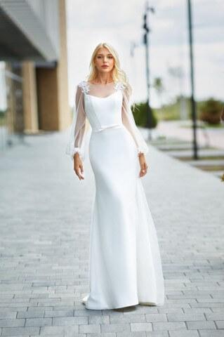 Chezara 2 dress from the Lorange Blanco collection