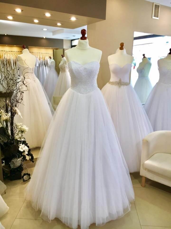 Poważnie ONA | Wyprzedaż sukien ślubnych w salonie ONA w Tarnowie ZU53